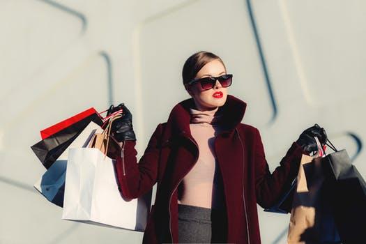 ロンドン・パリの働き女子のオフィスファッション